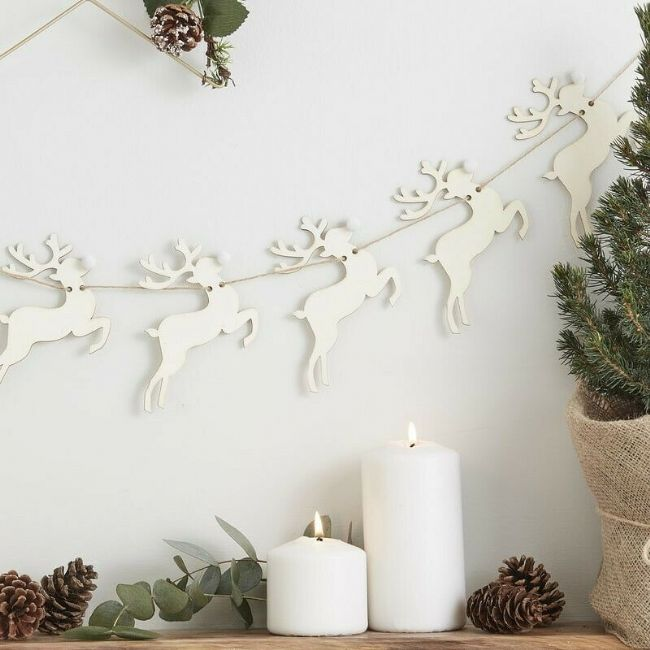 WOODEN STAG CHRISTMAS BUNTING - Pom Pom Nose Reindeer Rustic Xmas Decoration
